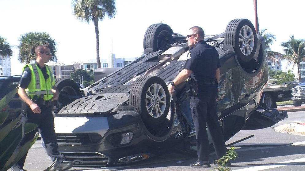 Crash in Sarasota overturns vehicle - Suncoast News and Weather